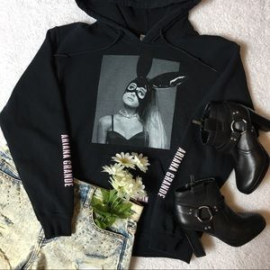 🖤🐰Ariana Grande DANGEROUS WOMAN TOUR hoodie🐰🖤